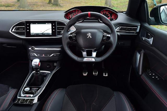 Peugeot 308 GTi Sport - interior