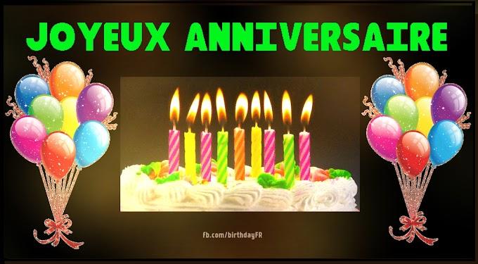 Gâteau allumé aux bougies, photo d'anniversaire