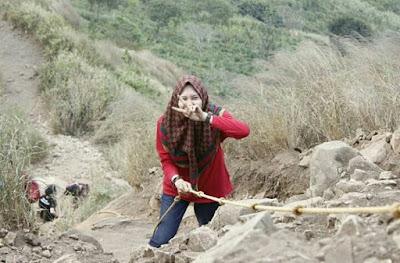 Gunung Batu Jonggol - Harga Tiket Masuk, Lokasi dan Foto Puncaknya
