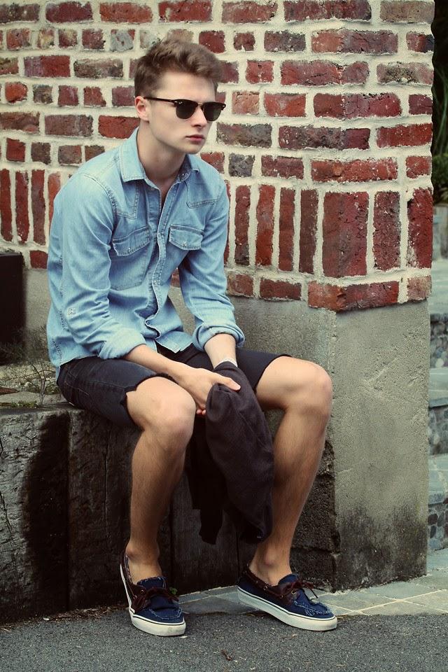 03c9f584c O Calçado Azul masculino também pode ir bem com Cinza, exemplo dessa calça  acima! Gostei bastante do visual!