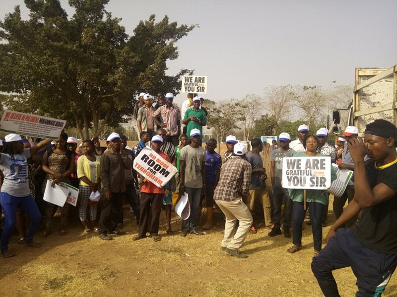 iStandWithBuhari rally kicks off in Abuja