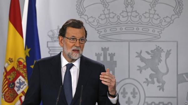 Governo espanhol se prepara para suspender autonomia da Catalunha