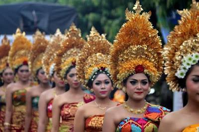 Pesona wanita Bali