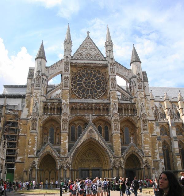 Reign e Rainha Mary na Escócia (e Londres)- Abadia de Westminster