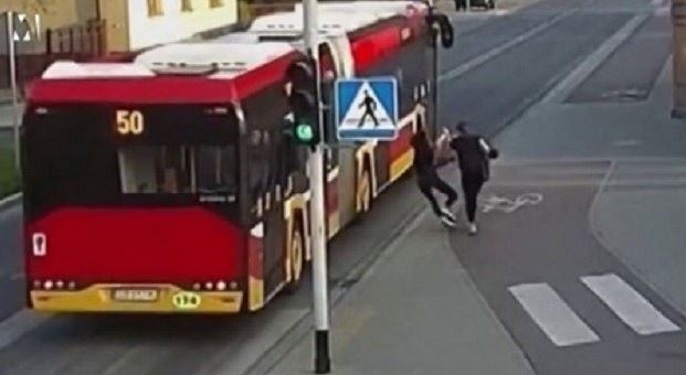 Watch The Horrifying Moment A Girl Pushed Her Friend Under A Moving Bus (Video)