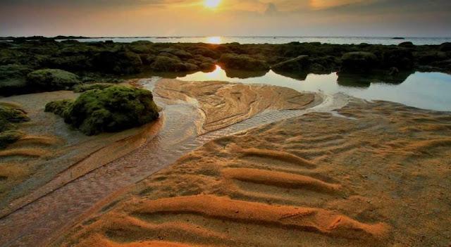 Rekomendasi 8 Pantai Terbaik Cocok Untuk Spot Foto di Kabupaten Sambas, Kalimantan Barat