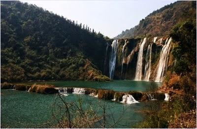 น้ำตกจิ่วหลง (Jiulong Waterfall) / น้ำตกเก้ามังกร (Nine Dragons Waterfall)