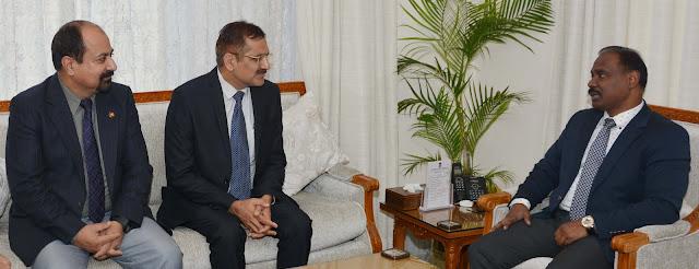 Sh. S K Rana, Deputy General Manager, Punjab National Bank, J&K Circle with Lieutenant Governor Girish Chandra Murmu