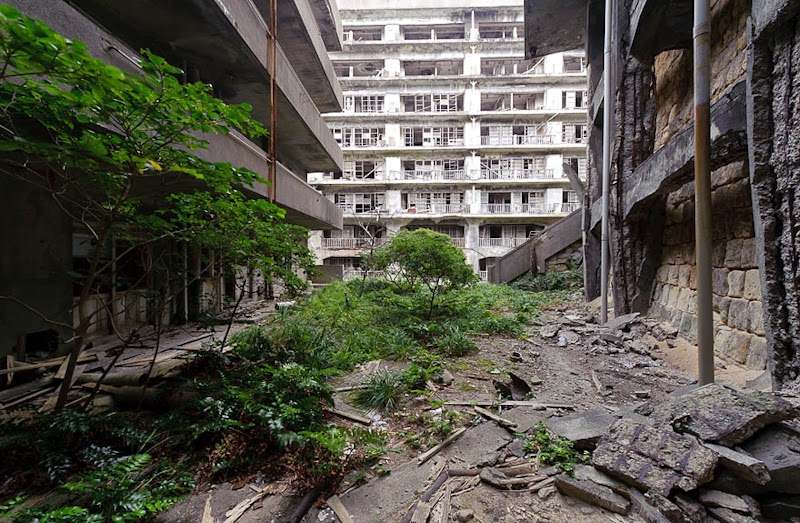 22. Hashima Island, Japan - 31 Haunting Images Of Abandoned Places That Will Give You Goose Bumps