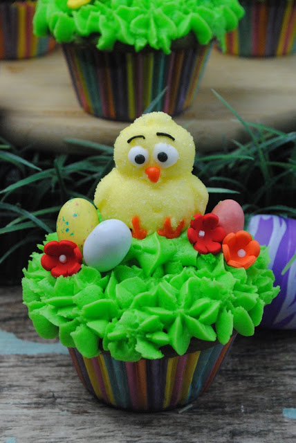 Cute Chicks, Easter Treats, Spring Chick Cupcakes