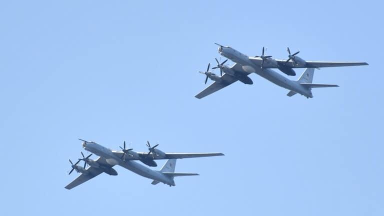 روسيا-4-طائراتنا-نفذت-تحليقات-المحيط-الهادئ-مقاتلات-أمريكية