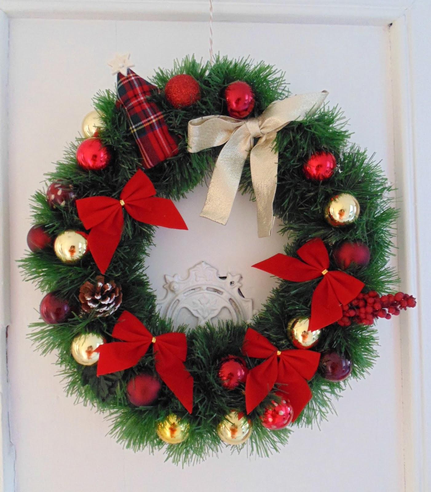 Fefe creative blog de costura y reciclaje corona de navidad for Buscar adornos de navidad