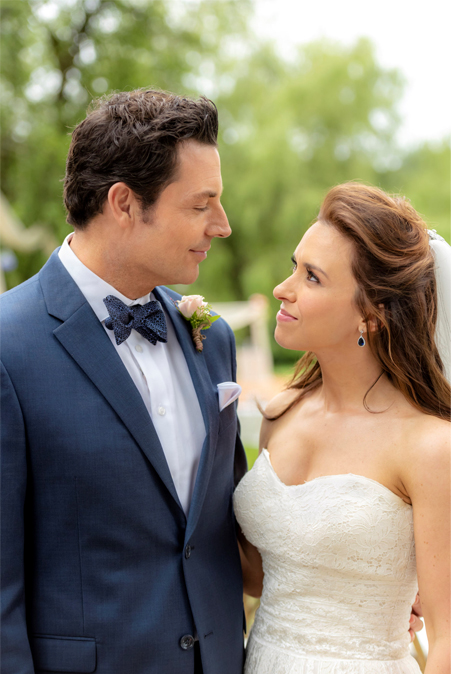 Lacey Chabert Wedding.Its A Wonderful Movie Your Guide To Family And Christmas Movies On