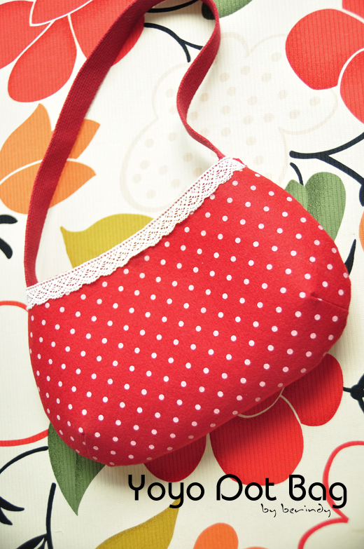 Shoulder Bag with Fabric Yo-Yo Flowers. DIY Pattern & Tutorial in Pictures.
