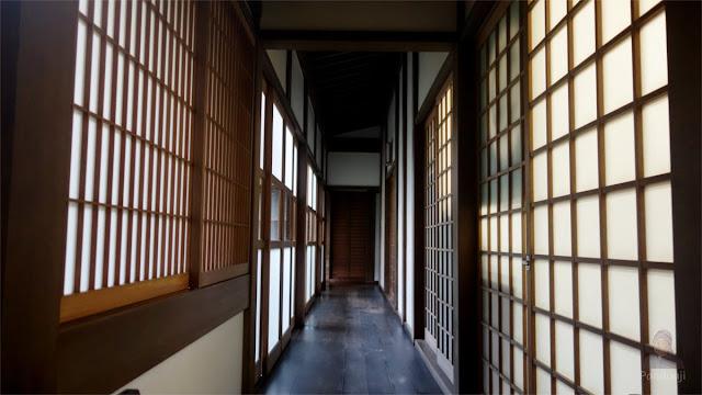 lorong di rumah tradisional jepang