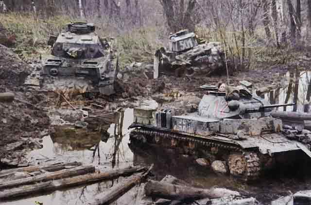 Panzer III and Panzer IV, 20 October 1941 worldwartwo.filminspector.com