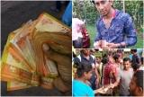 Man Give Money To Flodd victims