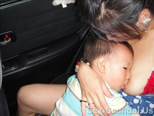 Pretty girl with her baby, Taiwan Celebrity Sex Scandal, Sex-Scandal.Us, hot sex scandal, nude girls, hot girls, Best Girl, Singapore Scandal, Korean Scandal, Japan Scandal