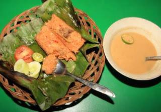 http://www.teluklove.com/2017/04/pesona-kenikmatan-wisata-kuliner-nasi.html