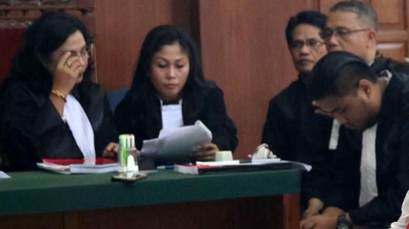 Dua pengacara wanita yang mendamping Saipul Jamil