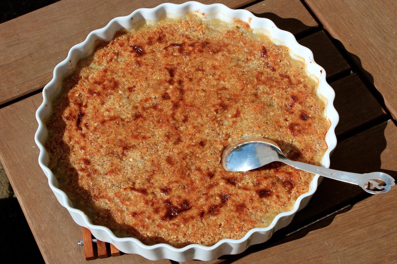 Kirstine Buhls blog: Æbletærte med mandellåg: yndlings kage