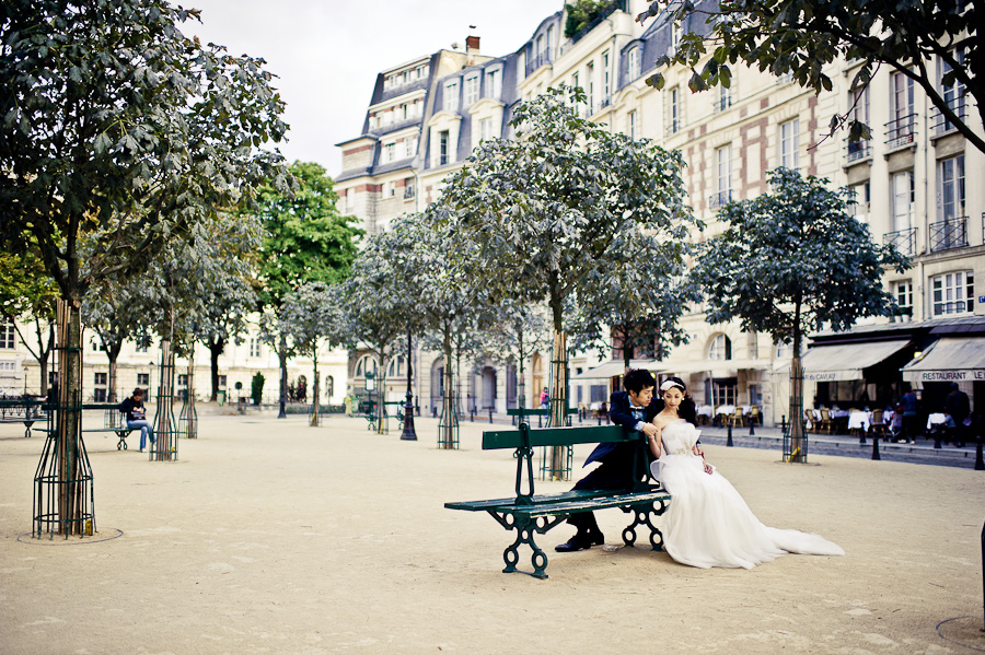 CHATEAU ESCLIMONT WEDDING PHOTOGRAPHY, PARIS WEDDING PHOTOSHOOT.  japanese pre wedding photo