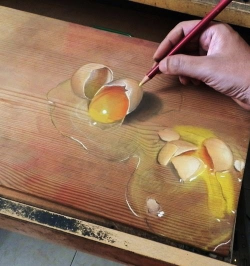 02-Broken-Eggs-Hyper-Realistic-drawings-on-Boards-www-designstack-co