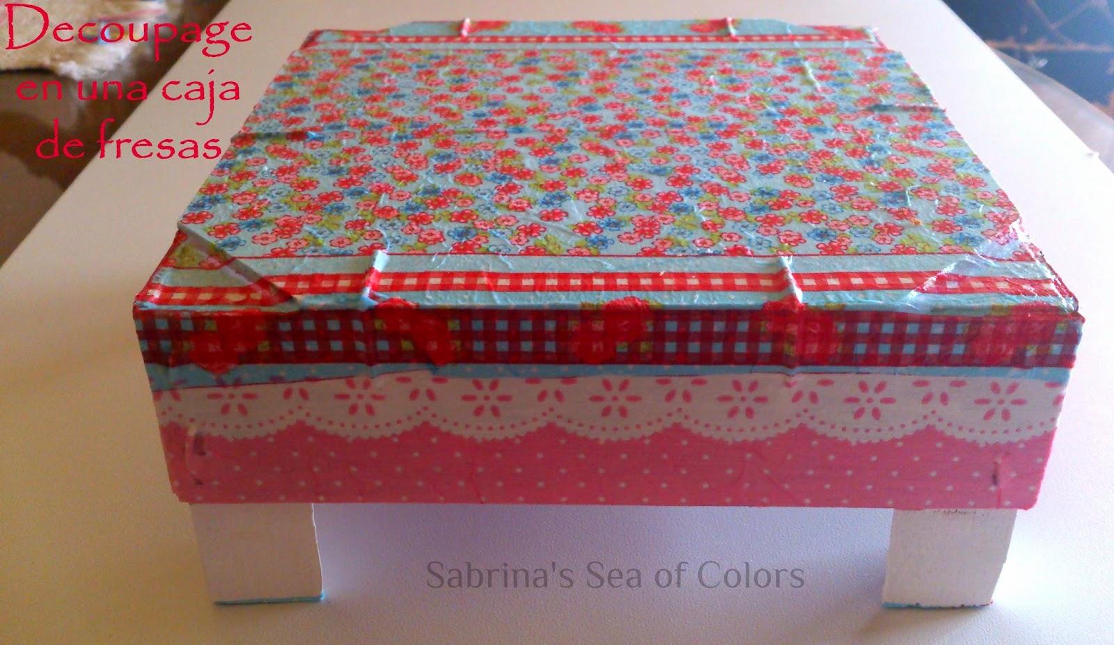 Decoupage en una caja de fresas