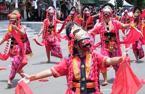 first image of Tarian Tradisional Indonesia Dari Sabang Sampai Merauke with Tarian Tradisional Indonesia Dari Sabang Sampai Merauke: Jawa