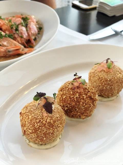 THIRTY8 signature fried crab cakes