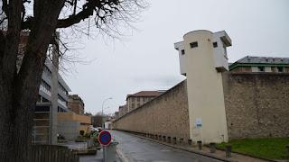 Fresnes : un détenu retrouvé pendu dans sa cellule