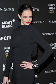 Eva Green Still For Her Crazy Fans
