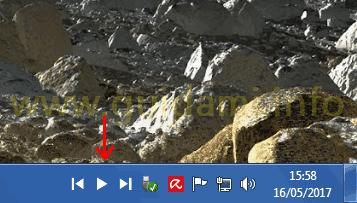 Taskplay comandi controllo riproduzione multimedia nell'area notifica barra applicazioni Windows