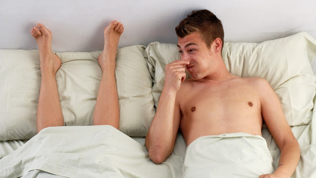 This Man Complains That His GF's V*gina Has a Foul Odor! Here's The Doctor's Advice!