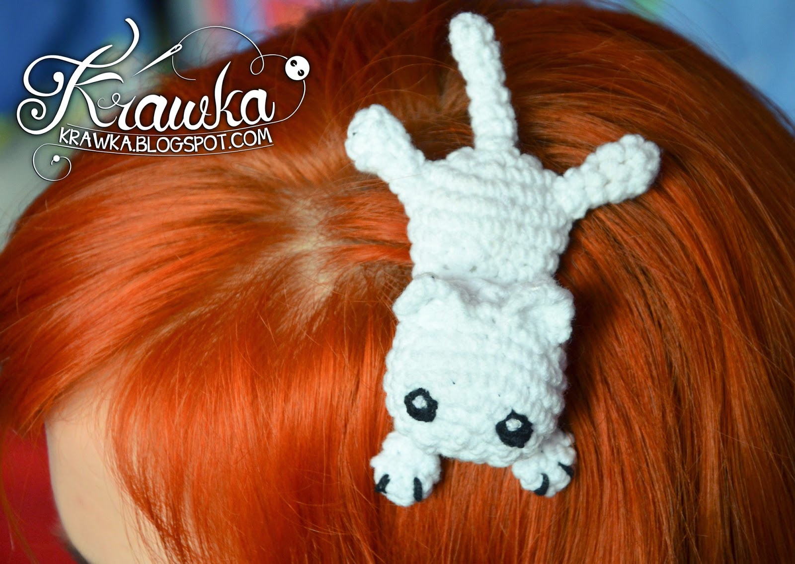 Krawka: Little white kitten - Crochet hair accessory with free pattern