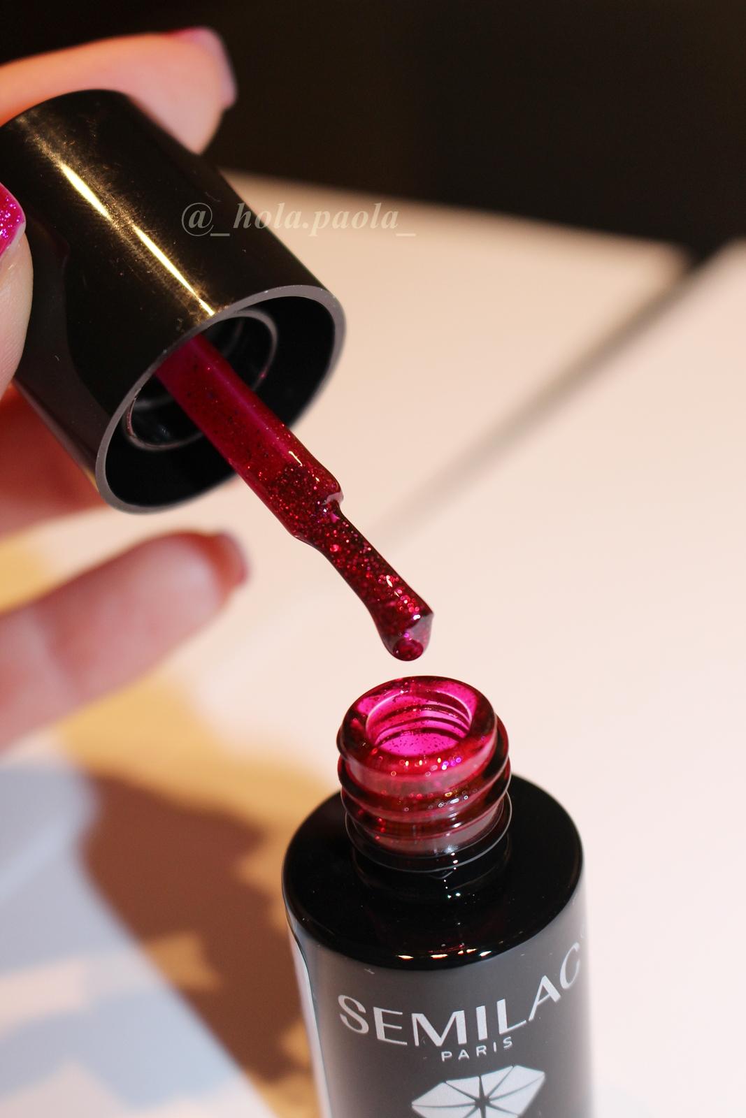 Lakier Hybrydowy Semilac 111 Cherry & Berry nie dostępny w sprzedaży czerwony lakier do paznokci brokat hybrydowe paznokcie jaki wybrać jaki kupić gdzie zdobyć hola paola blog opinia zdjęcia recenzje kolory semilac