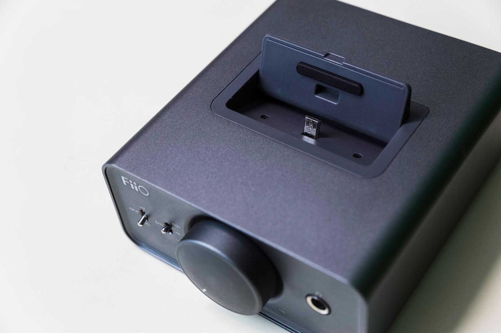 5c4e66f10 Este dock es específico para aparatos de FiiO como pueden ser el X3 III, el  X5 o similares. Lo que le convertirá en un amplificador y DAC al mismo  tiempo al ...