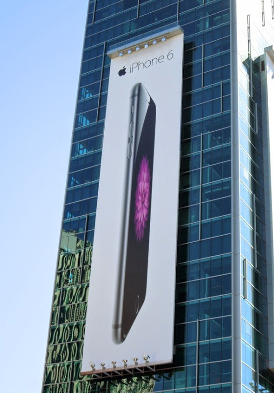 Giant Apple iPhone 6 billboard
