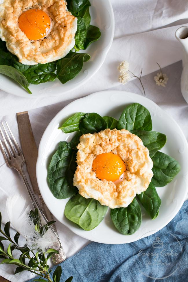 jajka na chmurkach zapiekane z parmezanem