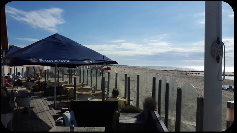 Terrasse der Lieblingsstrandbar Brooklyn Grill am Strand von Domburg, Provinz Zeeland, Holland (Niederlande) | Arthurs Tochter Kocht von Astrid Paul