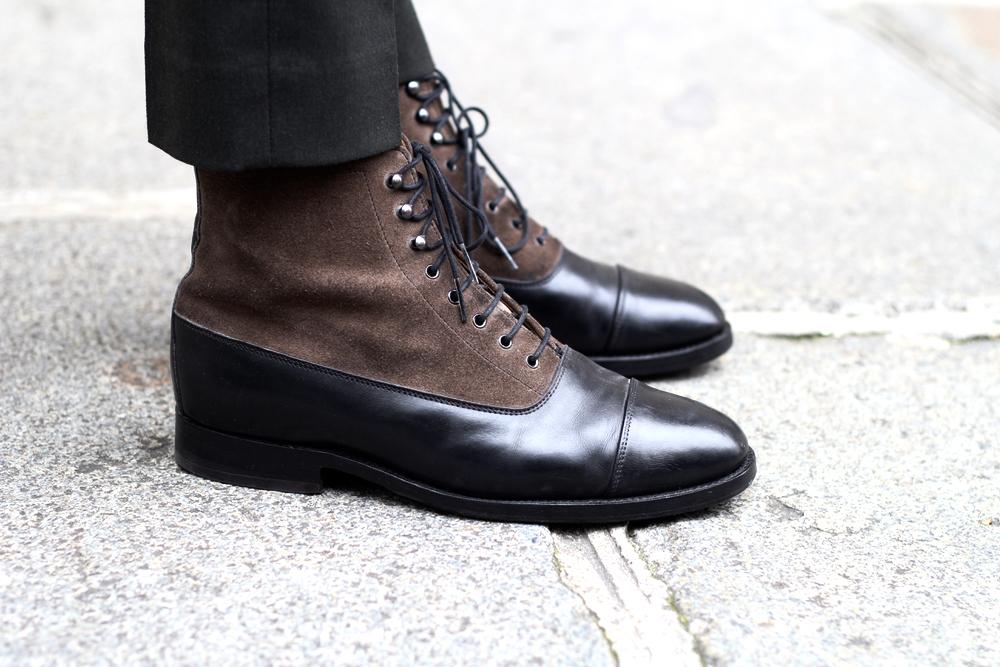 BLOG-MODE-HOMME-VOYAGE-STYLE_preppy-classic-bowen-boots-bimatière-cuir-chemise-motif-paul-and-joe-verte-trublion_trench-agnesb-paris-bordeaux-cty-citadin