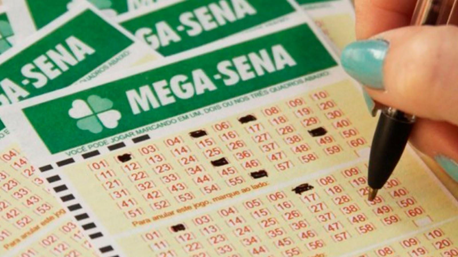 O prêmio principal do concurso 2.069 da Mega-Sena nesta quinta-feira (16)  não teve acertador. O prêmio acumulou e pode chegar a R  23 milhões no  próximo ... 96eb7bbd49b8c