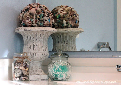 easy beach decor using shells and jars