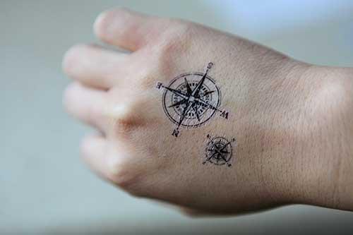 hand compass tattoo el pusula dövmesi