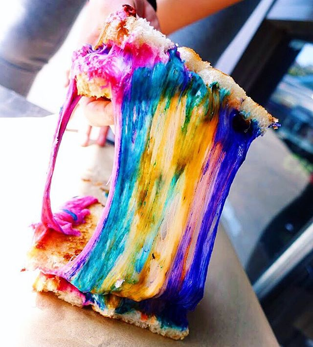 FIRST THERE WERE UNICORN BAGELS...NOW UNICORN GRILLED CHEESE MELT SANDWICHES?! - SANTA MONICA