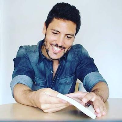 Julián Mola: Los lectores y los libros