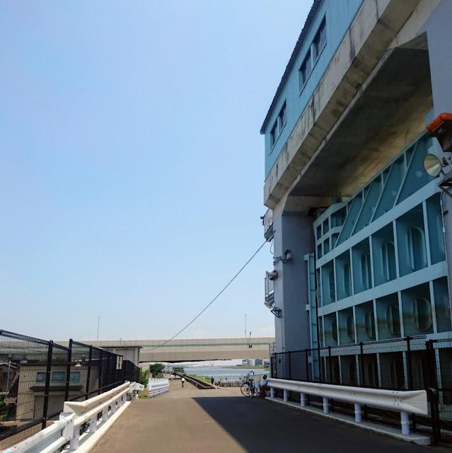 多摩川 羽田第二水門