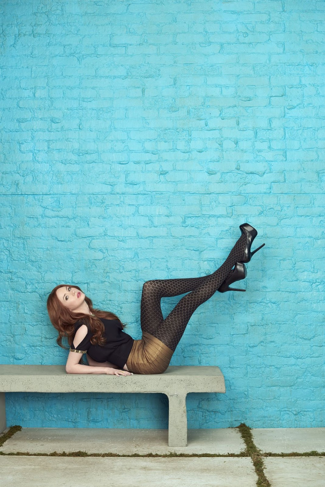 HQ Wallpapers of 'Guardians of The Galaxy Vol. 2' actress Karen Gillan Selfie Season 1 Promos