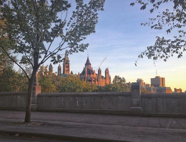 Resultado de imagem para parliament hill