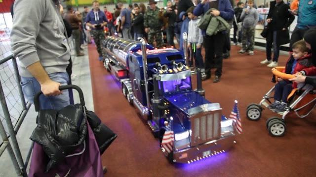 gambar truk remot gandeng